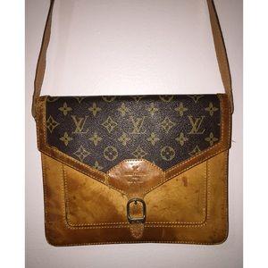 Vintage Louis Vuitton crossbody Authentic